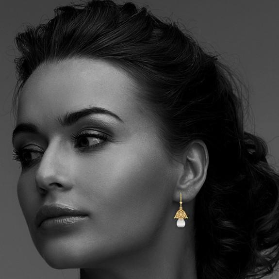 Ethel Pearl Earring