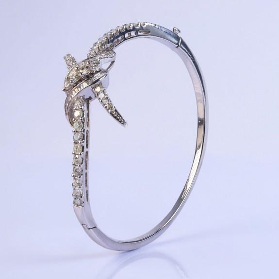 Gentle Core Bracelet