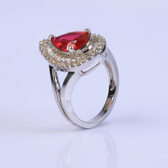 Rouge cocktail ring