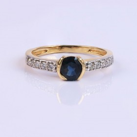 Statement Diamond and sapphire ring