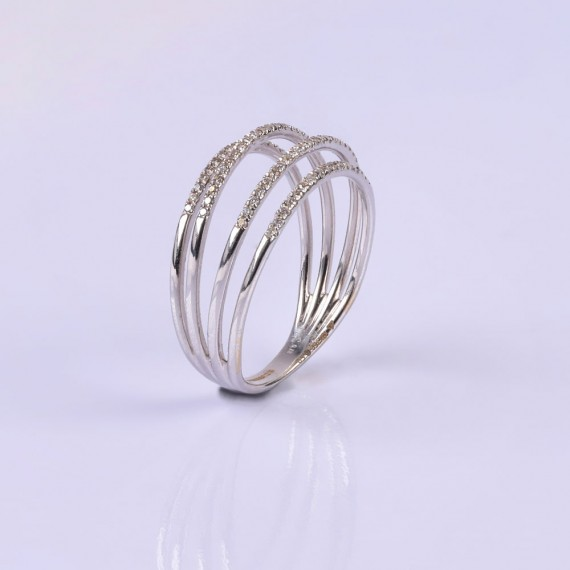 Strings of diamonds ring