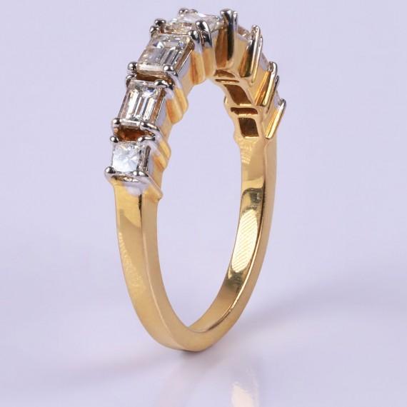 Gold diamond crown ring