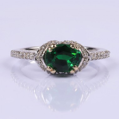 Enchanting emerald and diamond ring